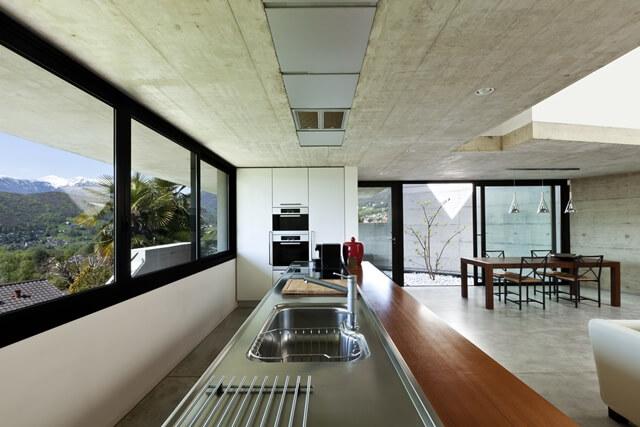 Black-aluminium-windows-AluK